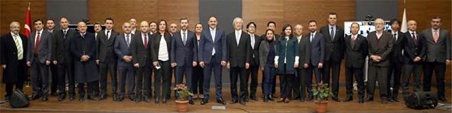 ワークショップ終了後の講演者および日トルコ関係者の集合写真