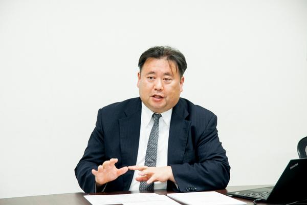 奥村幸彦氏(5GMF総合実証試験推進グループリーダ、NTTドコモ5G推進室主5G方式研究グループリーダ)